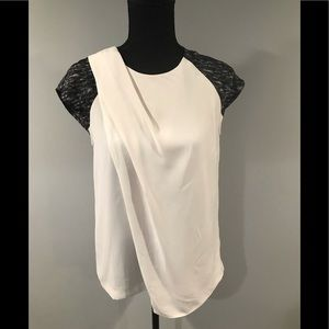 DKNYC Short Sleeve Blouse in small